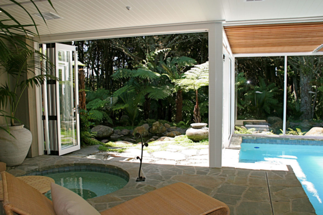 Landscaping around the spa by Hawthorn Landscape Architects